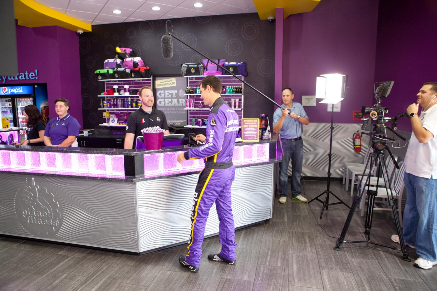 Best Car In The World >> Joey Logano – Planet Fitness